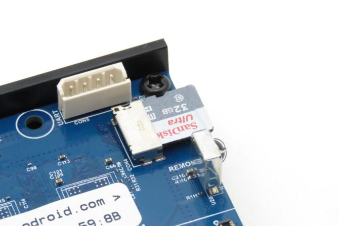 Odroid N2+ slot na kartę pamięci